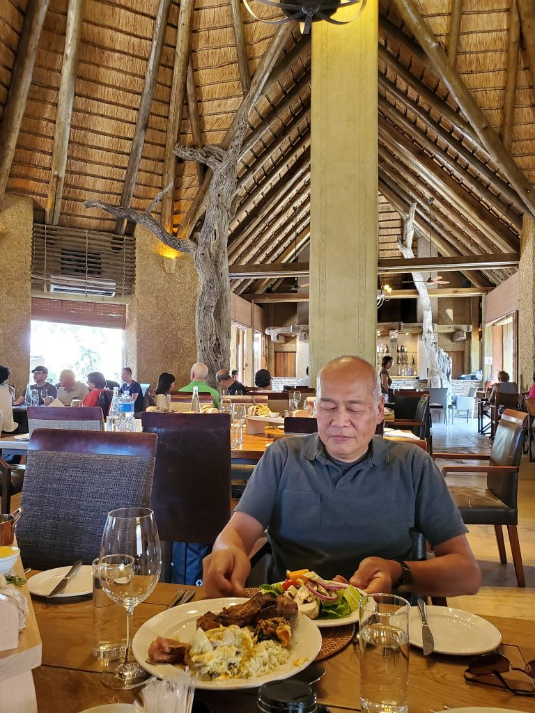 The dining hall, so spacious and open-aired. There were tall ceiling fans that made it so cool and comfortable for dining.