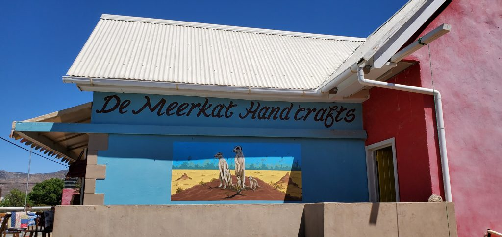 De Meerkat selling gifts and decor at good prices, taking in consideration the needs of each customer.